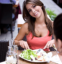 girl-with-salad-ddd.png