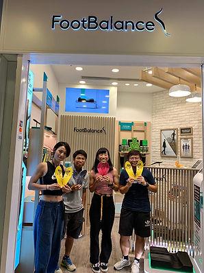 Hong Kong National Softball Team at Footbalance Olympian City 3 store  香港女子壘球隊在我們奧海城3期店