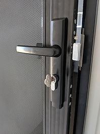 jammed-security-screen.jpg