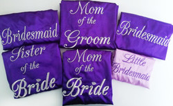 Batas para novia y damas morado