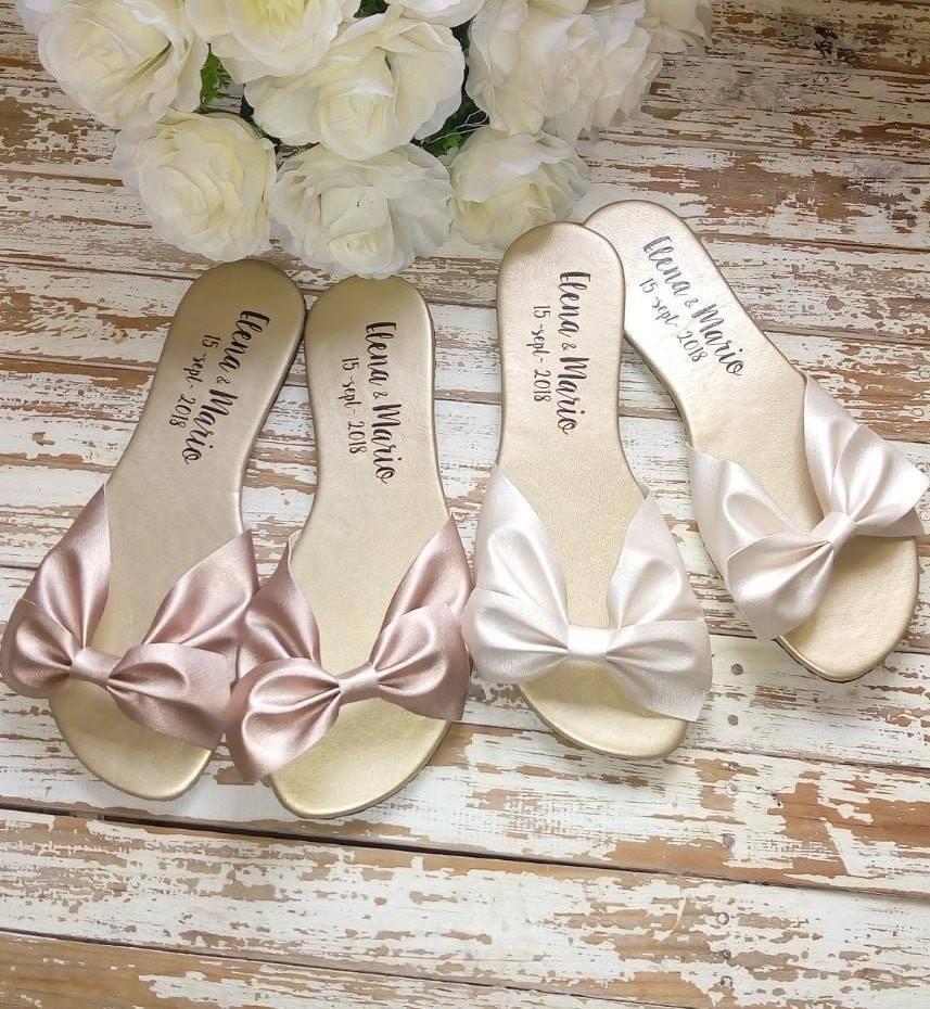 Sandalias con moño perla y rosa