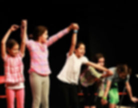 5-motivi-iscrivere-bambini-corso-teatro.