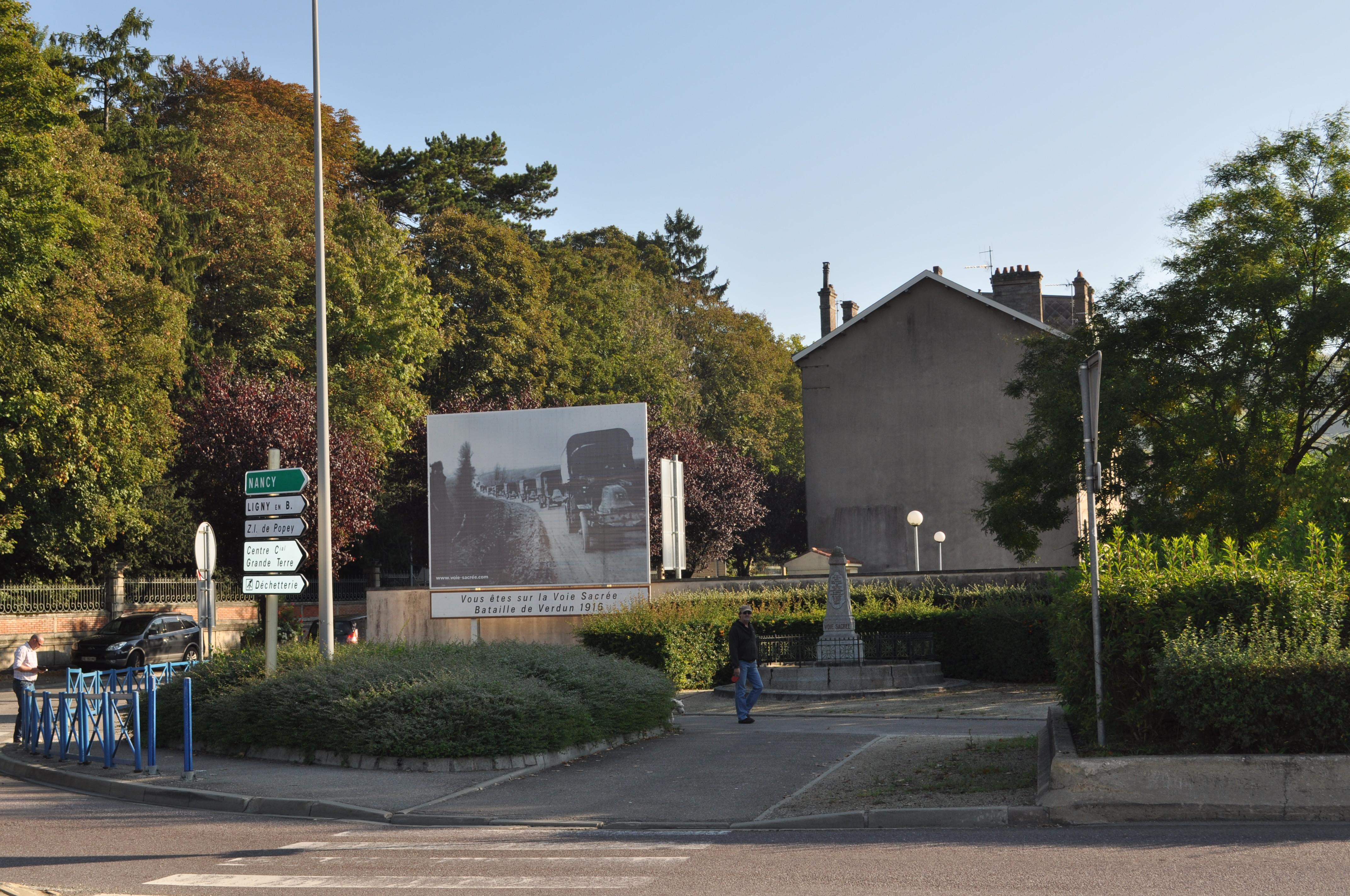Affiche et monument / Bar-le-Duc