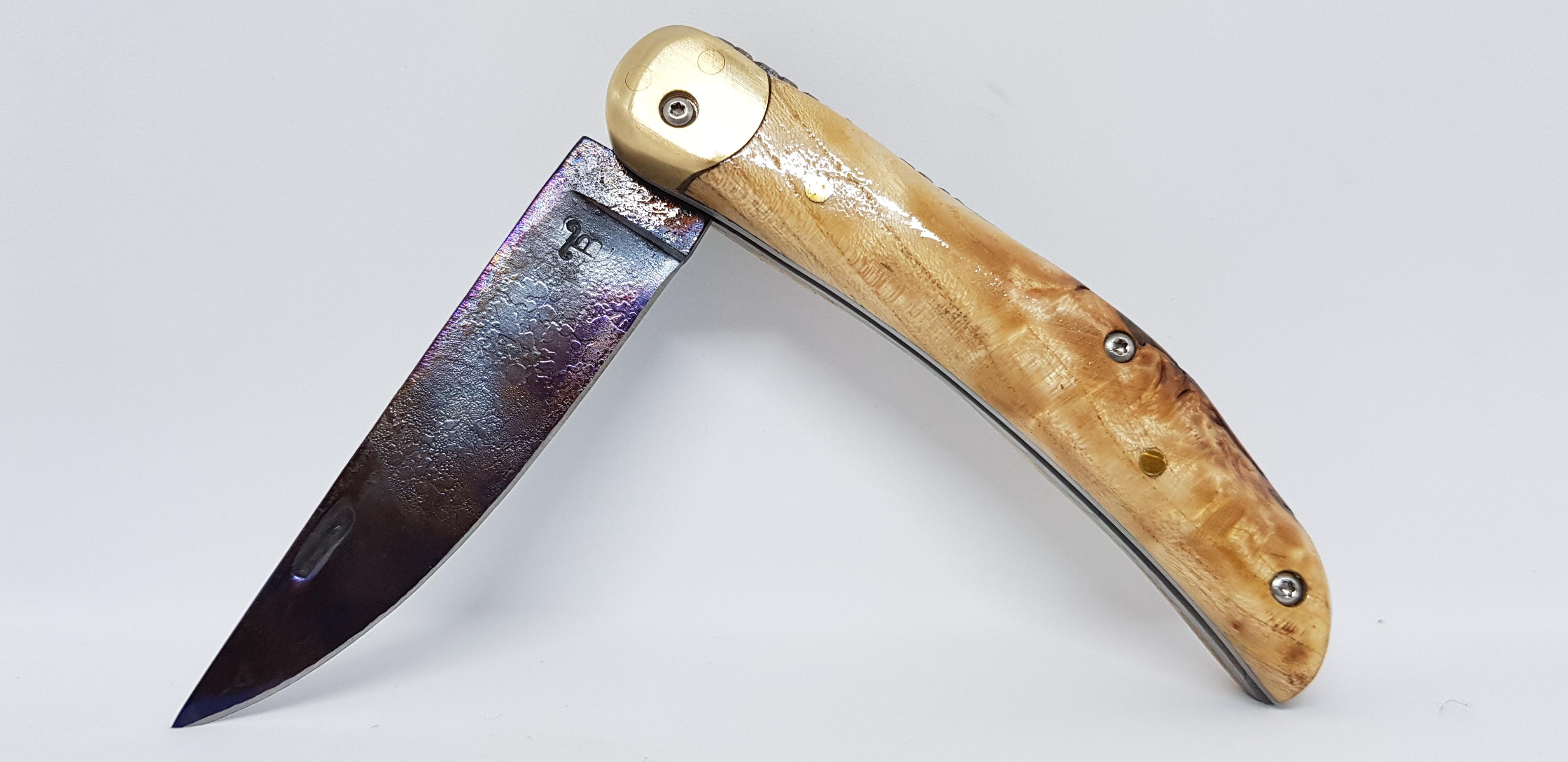 Couteau pliant lame multicouche