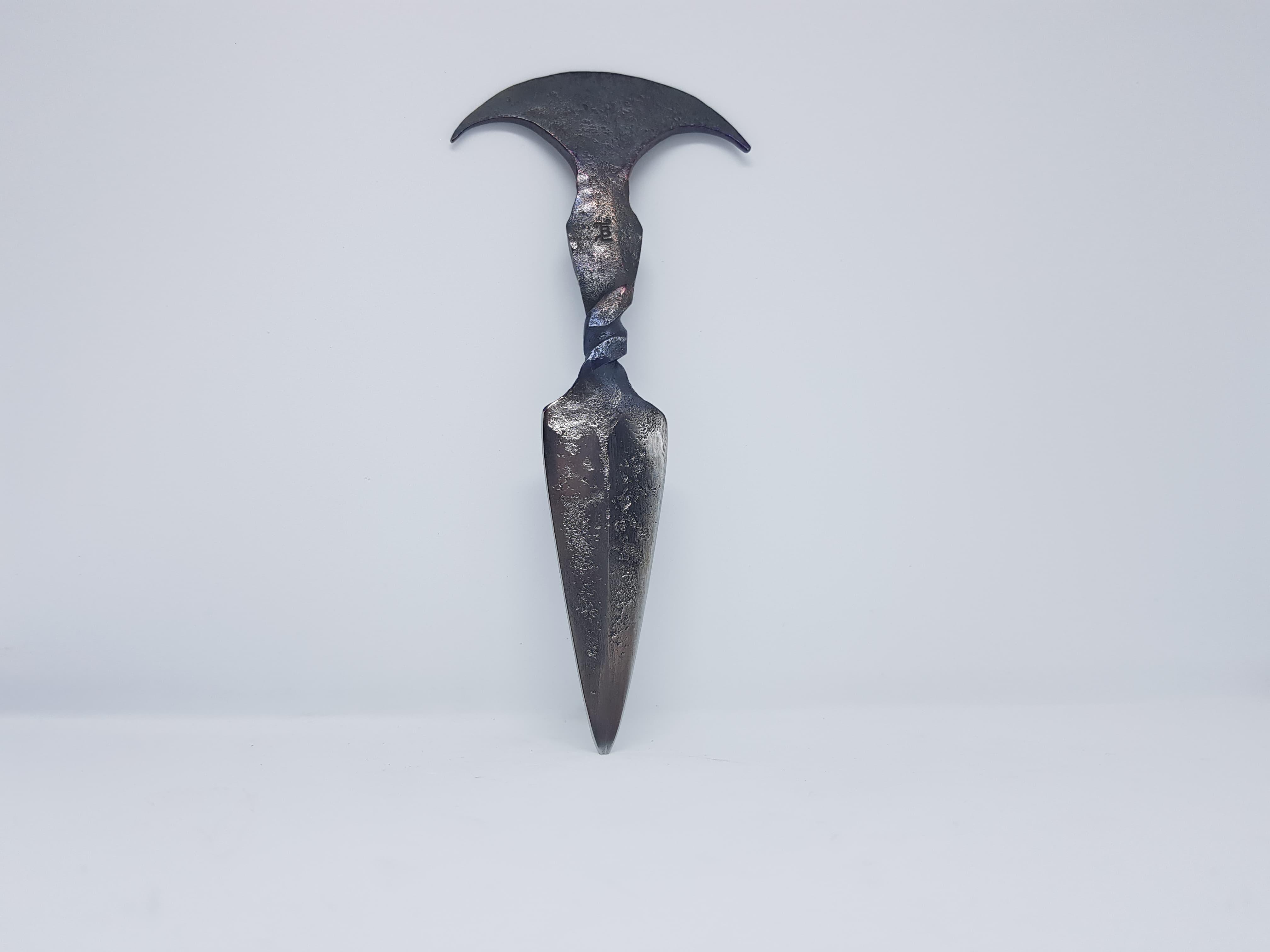 Couteau push dagger moderne