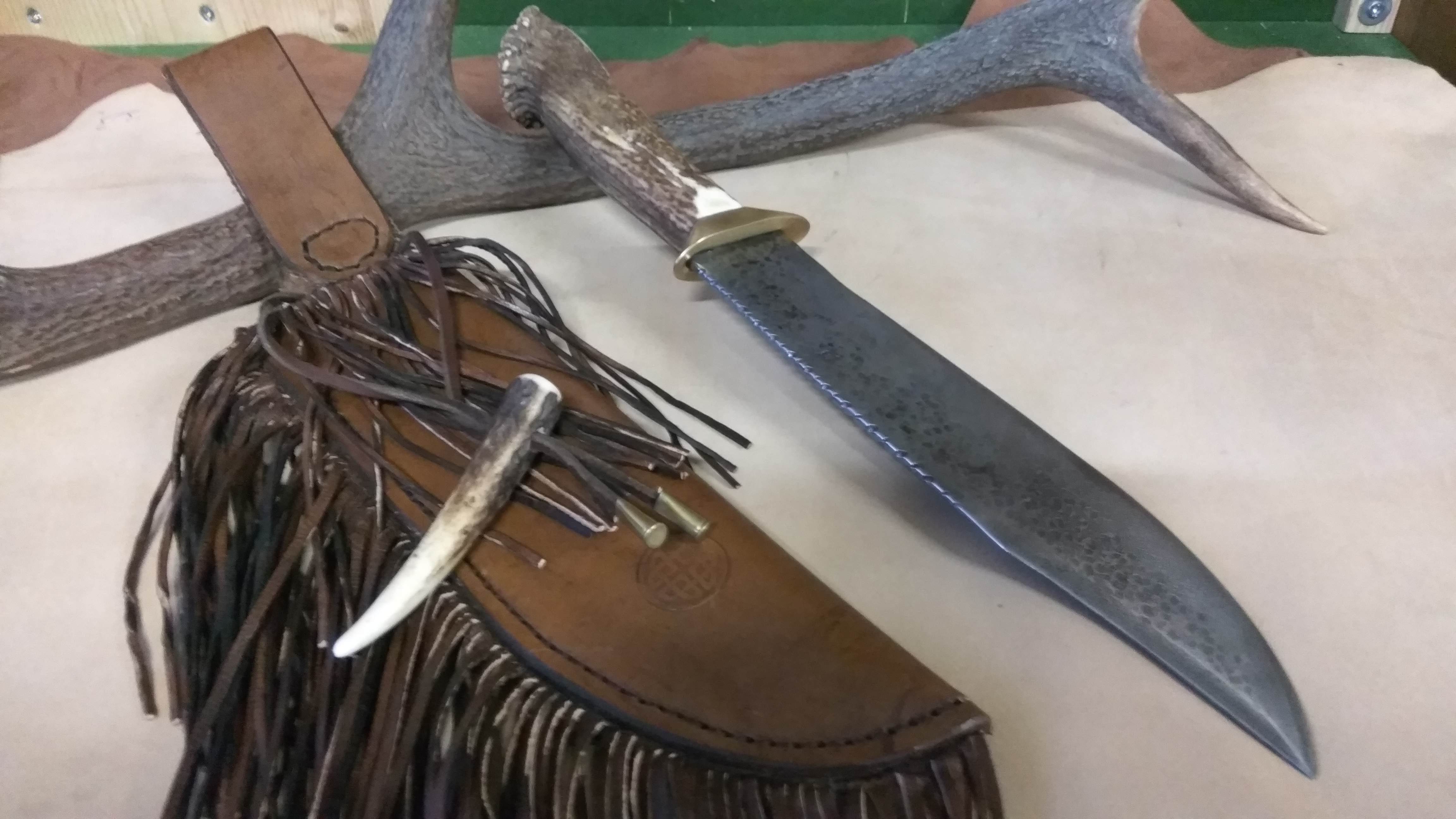 Couteau bowie bois de cerf
