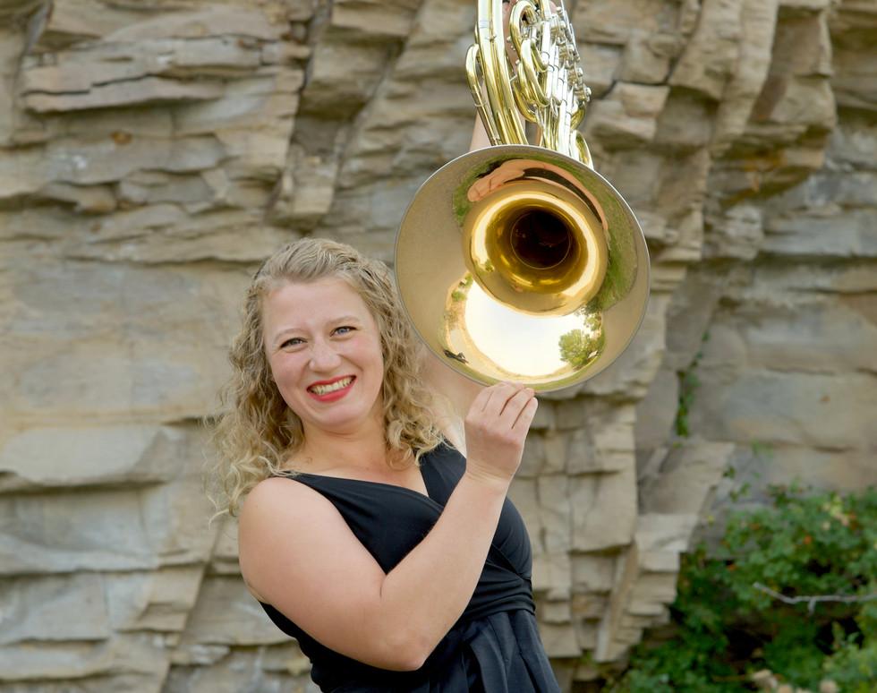 4405 Madeleine Folkerts Horn in Air.jpg