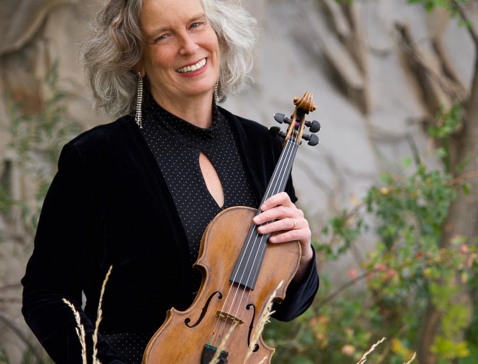 4046+48 Mary Papoulis smile violin.jpg