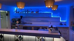LaSopresa_Renovierung_Bar_beleuchtet