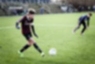 En efterskole med fodbold for drenge