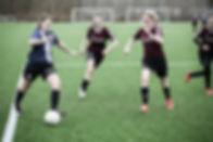 En efterskole med fodbold for piger
