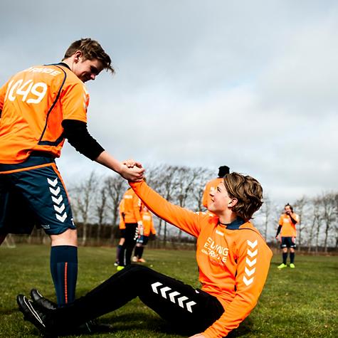Du kan spille fodbold på Levring Efterskole