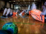 Håndboldpigerne har styrketræning på Levring Efterskole
