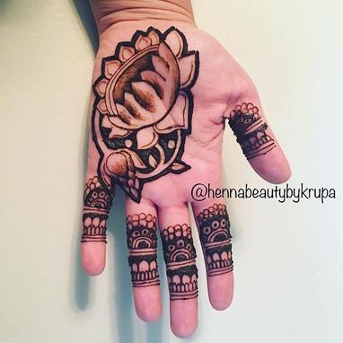 3D HENNA ART!!!! 🤤😍_💕_💕_💕__#henna #