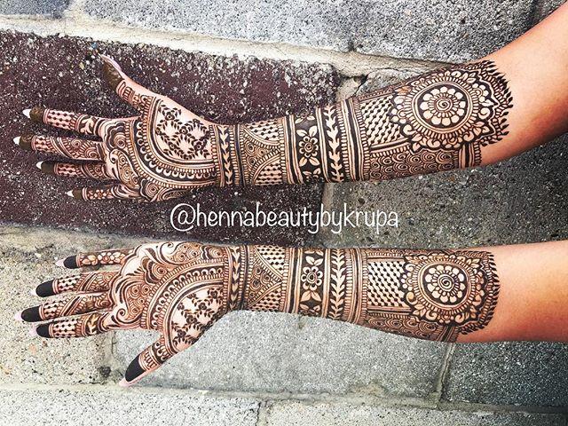 #tbt to last week's bridal henna! Love t