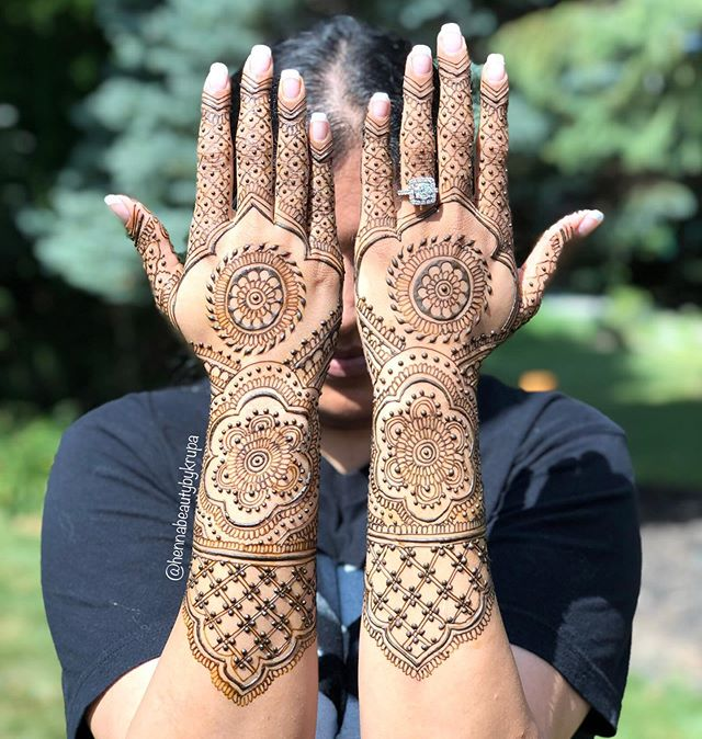 𝓢𝓱𝓸𝔀𝓼𝓽𝓸𝓹𝓹𝓮𝓻 When your henna l