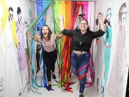 Cenário do Fun Museu homenageia a comunidade LGBTQ+