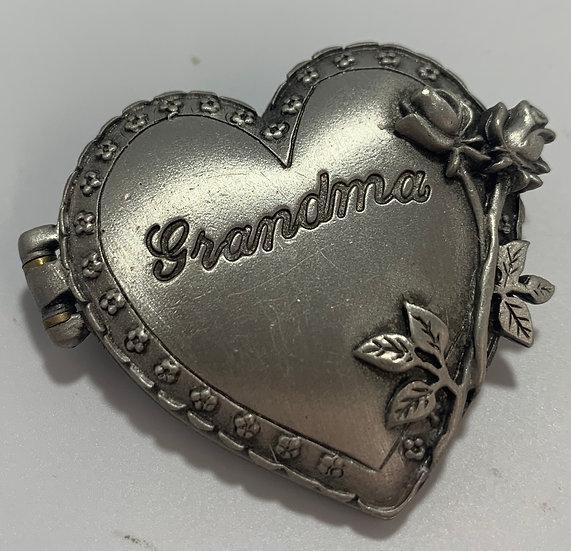 JJ Silvertone Grandma Heart Photo Holder Brooch/Pin