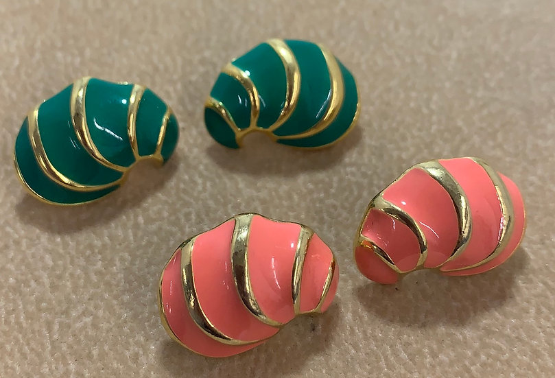 Vintage Set of 2 Gold Tone Salmon & Green Enamel Earrings