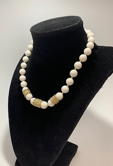 "Vintage White Bead Metal Gold Tone Accent Beads, Hook Clasp 14"", 3"" Ext"