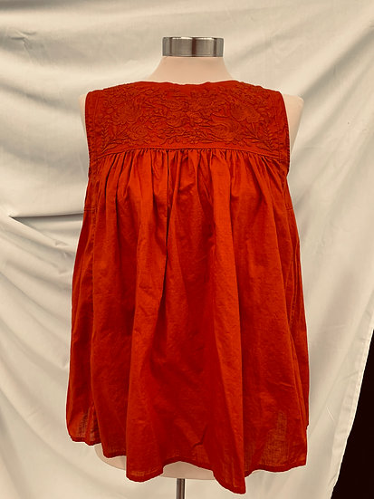Uniqlo Women's Red size small Textured Flowers Sleeveless Top