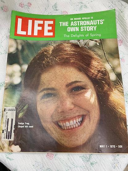 Life Magazine May 1 1970 Chapel Hill Coed
