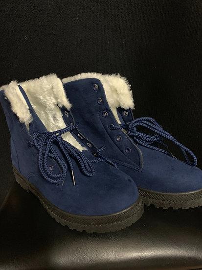 NIB SQL Women's Blue faux fur plush ankle boots size 41/8.5