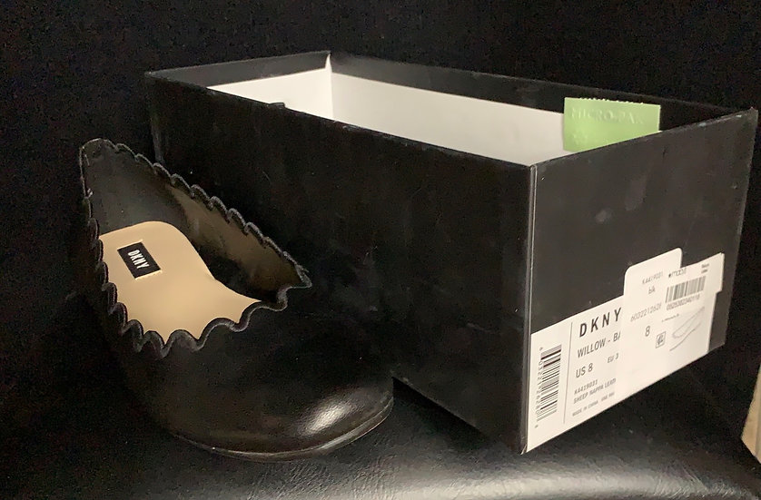 DKNY Womens Willow Black Sheep Napa Leather Scalloped Ballet Flats
