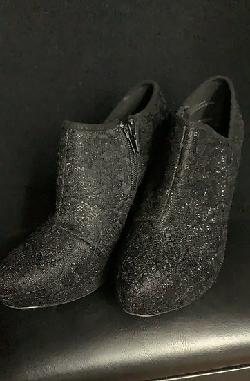 NEW Maurices Black Zip up Womens Ankle Boots Suede Heels Shoes Size 8