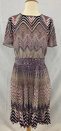 Karen Millen size 6 Women`s Zigzag Pattern Black White Pink Short Sleeve Dress