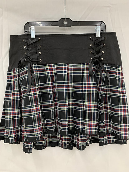 Tripp NYC Daang Goodman size 16 Skirt High Low Tartan Plaid Pleated Black Red Bl
