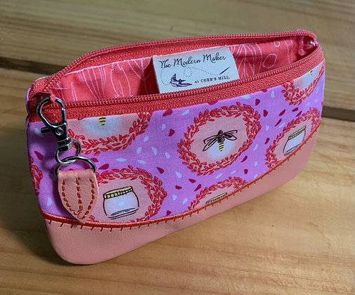 Annabelle Zip Bag - Bees