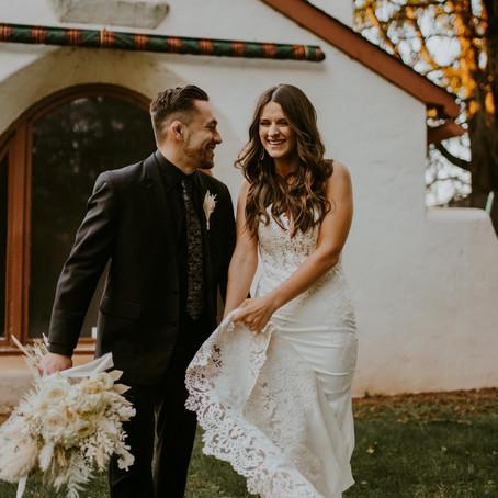 Rilee + Josh's Modern Barn Wedding