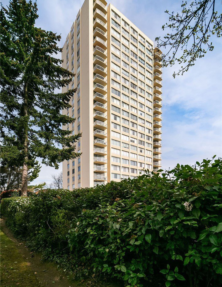 Spectacular, south-facing, corner unit with breathtaking panoramic views of the city, lakes and mountains from every window!