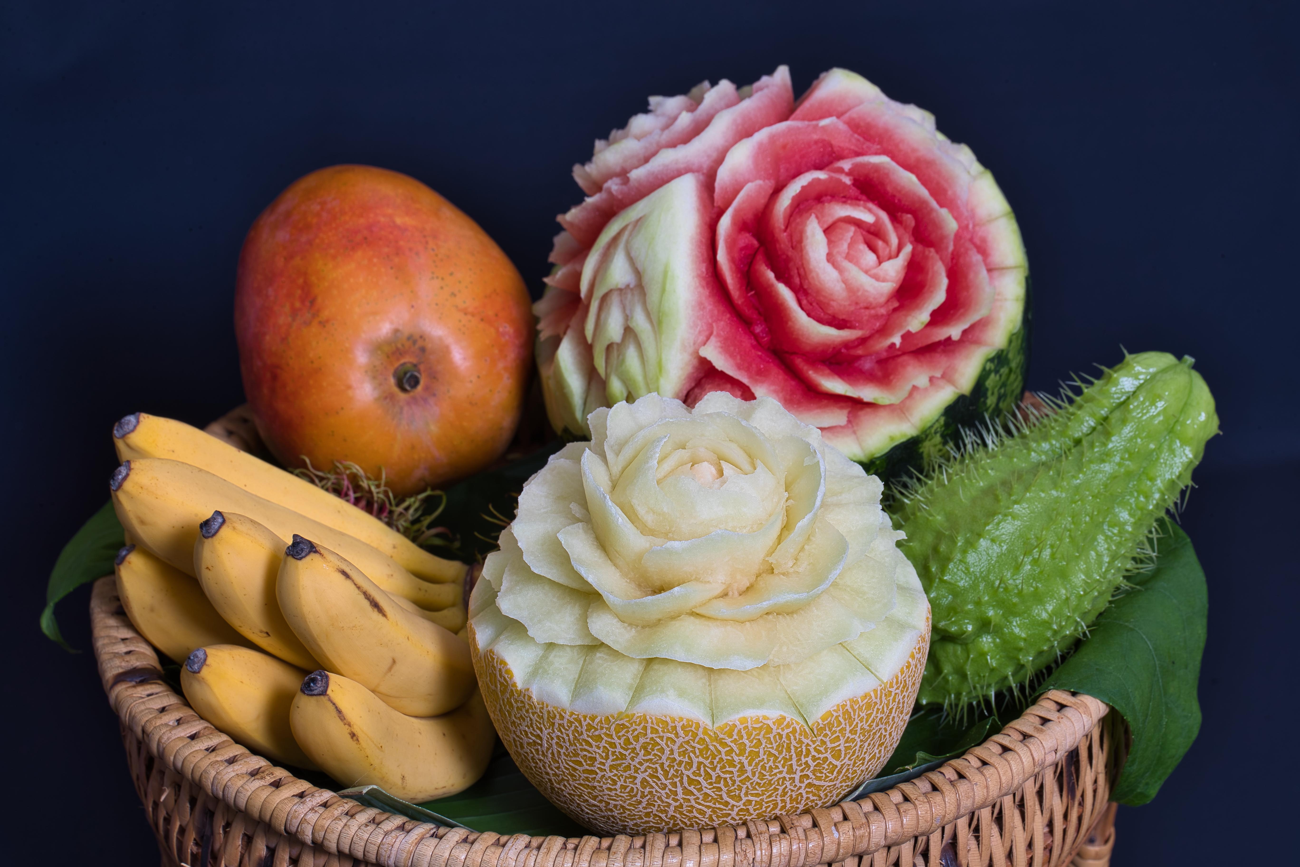 Schnitzereien_Früchte_1