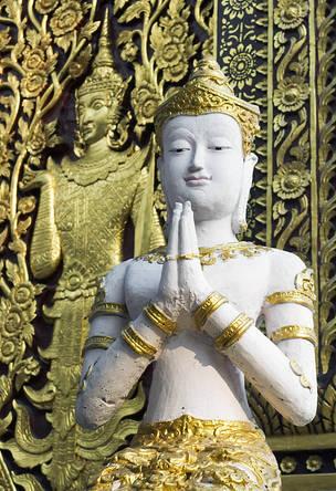 Statue.Wat.ChiangMai.jpg