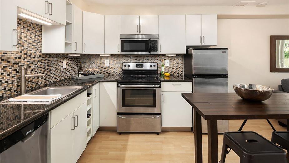 Beautiful, spacious modern kitchen