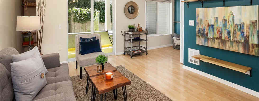 Open floor and direct access to private, fully-covered deck – perfect for fun and entertaining.