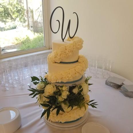 WEDDING CAKE4.jpg