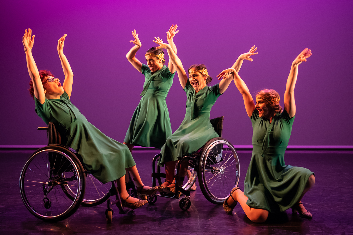 Dancers performing in Fusion by Step Change Studios. Image by Stephen Wright.