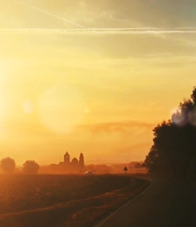 Iglesia románica de Canet d'Adri al amanecer