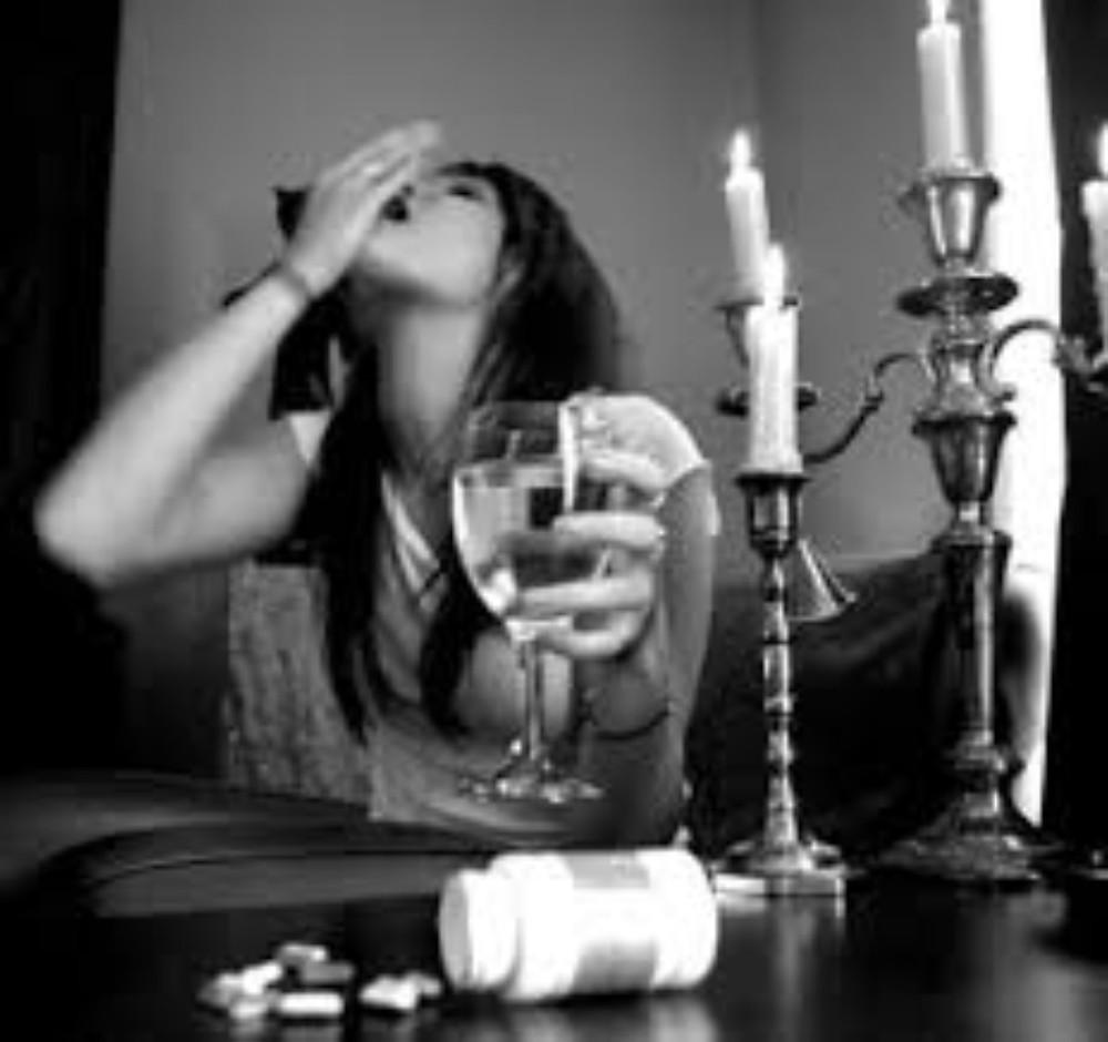 Posso beber enquanto tomo medicamento?