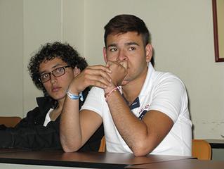 Cascos Rosa: Jóvenes unidos contra el machismo