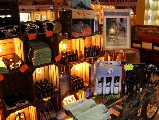 la boutique du chalet : vin pierre Richard ,huile de Patrick Bruel et autres articles polo etc...