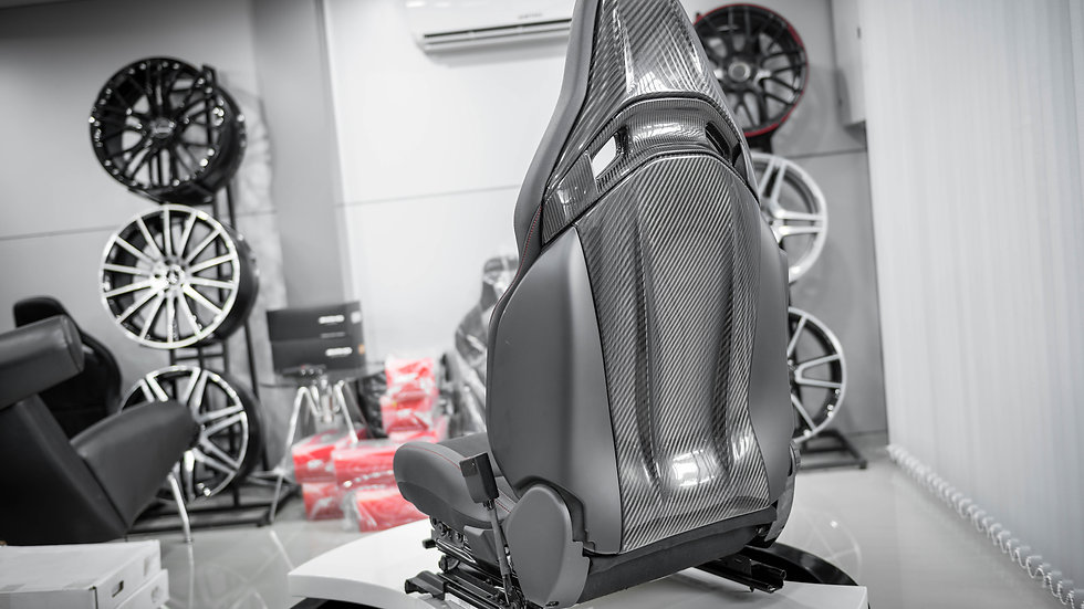 Rear Central Compartment Carbon Fiber Recaro AMG Seat