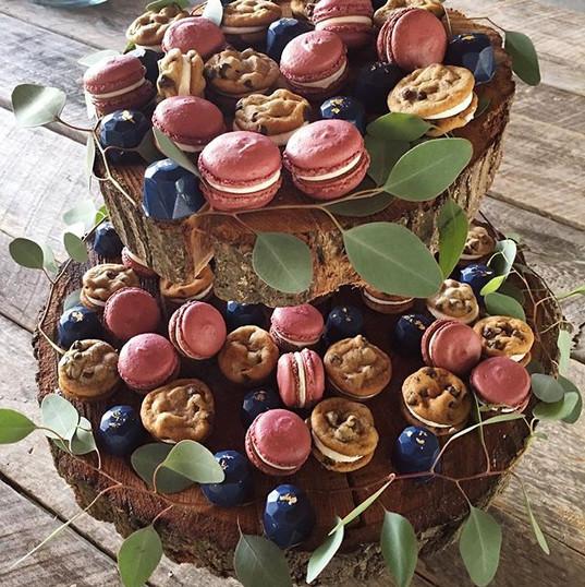 Bite sized treats display ❤️ Macarons, c