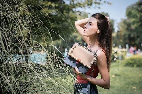 Дамска чанта с декоративни перли