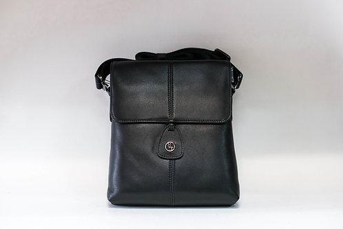 Мъжка чанта от естествена кожа с половин капак с магнит
