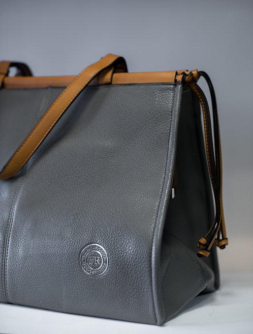 Дамска чанта от изкуствена еко кожа в 3 цвята в комбинация със светло кафяво