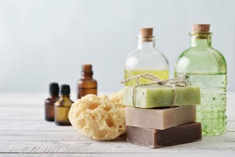 fournisseur pour fabrication de savon, fournisseur savonnerie, bondillon, melt and pour, fournisseur, TMI, huiles végétales